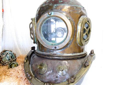 Vantador's Antique Item : Japan's Diving Helmet