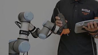 Hand guiding a UR robot with a Bota Systems force torque sensor