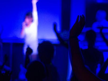 Touchless Worship- Touching God