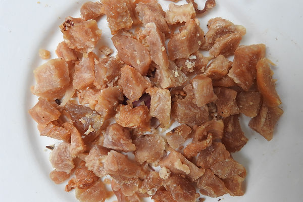 Dehydrated Treats - Chicken bites.JPG