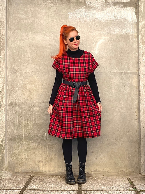 """Not Your Doll"" rosso tartan"