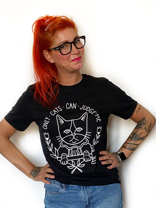 """T-Shirt nera """"ONLY CATS CAN JUDGE ME"""""""