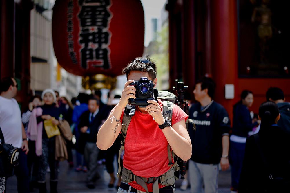 A photographer in Tokyo - ©Maaike Van Den Meersschaut