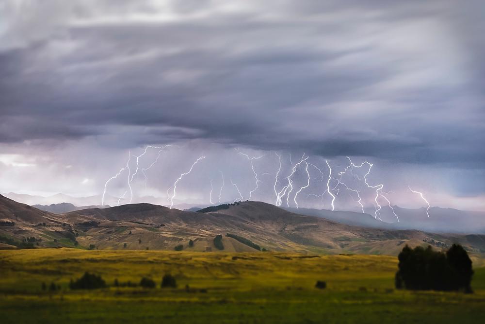 Avelac Lightning