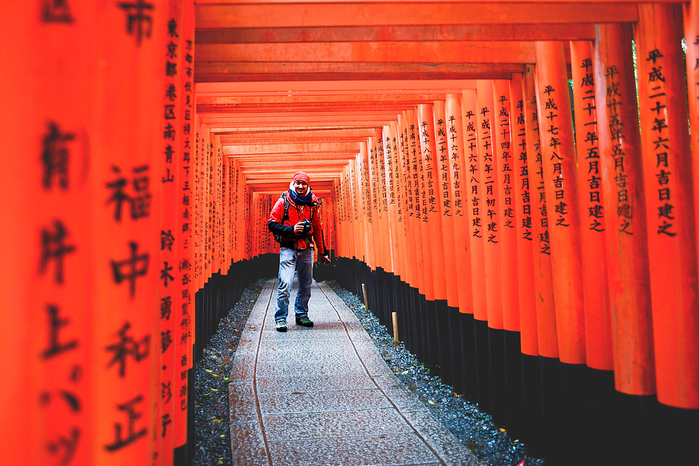 Non-traditional Japanese at the Fushimi Inari Shrine - ©Maaike Van den Meersschaut
