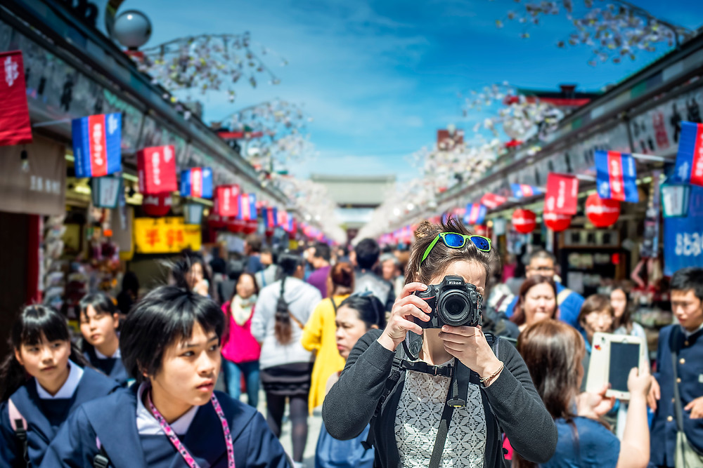 A photographer in Tokyo - ©BrianDecrop