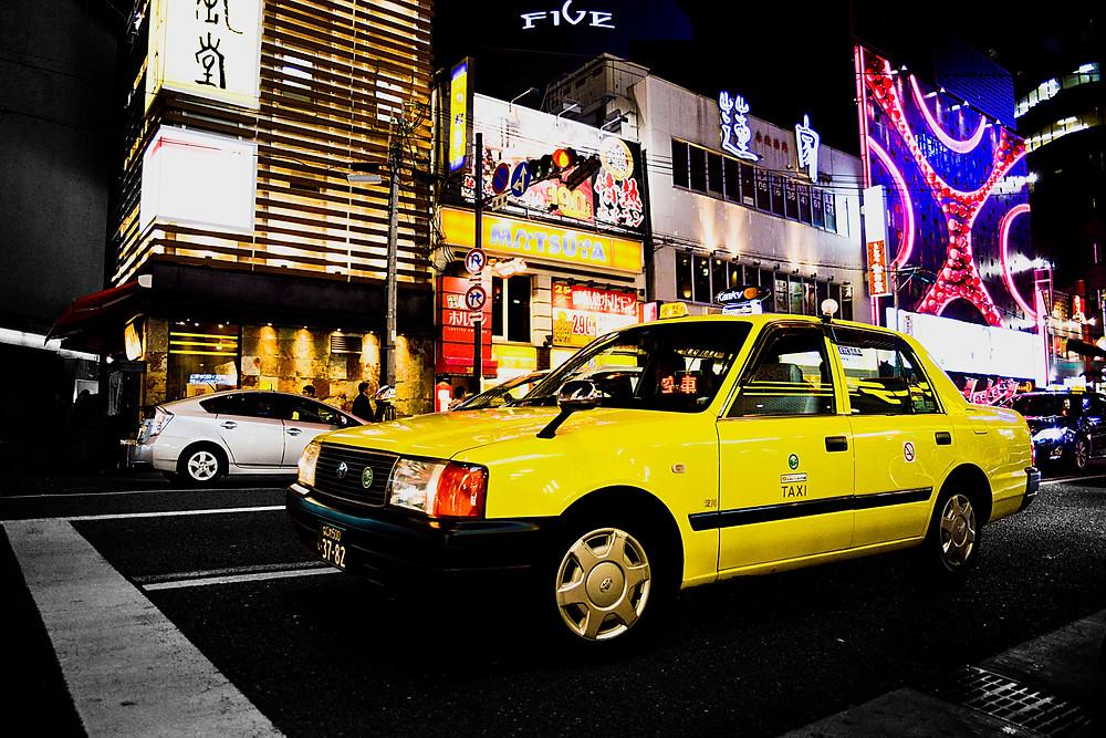 Cars in Tokyo - ©Maaike Van Den Meersschaut
