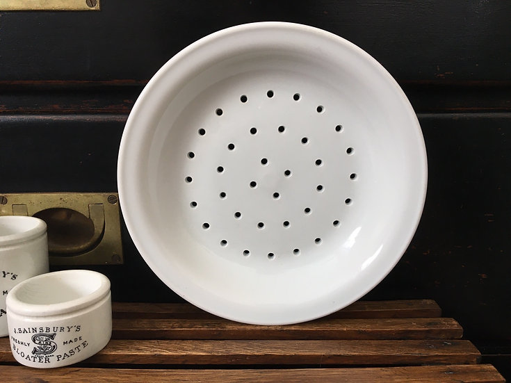 Vintage French white porcelain berry bowl - Apilco