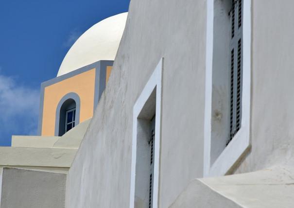 Santorini-church-angles-The-Greekish-Lif