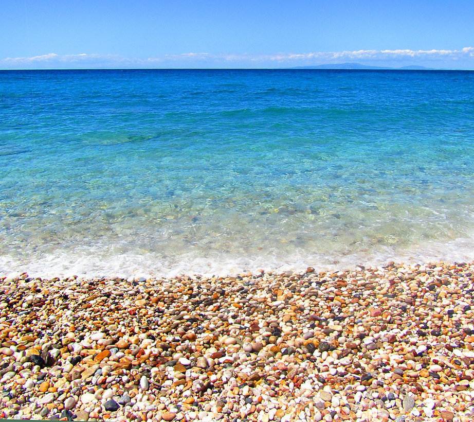 Summer-beach-The-Greekish-Life.jpg