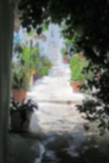 Anafiotika-alleyway-Athens.JPG