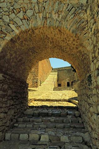 Palamidi-archway-Nafplio-The-Greekish-Li