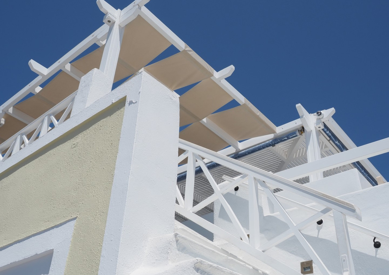 Santorini-balcony-The-Greekish-Life.JPG