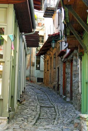 Arcadia-Greece-Dimistana-town-alleyway.J