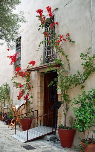 Nafplio-doorway-The-Greekish-Life.JPG