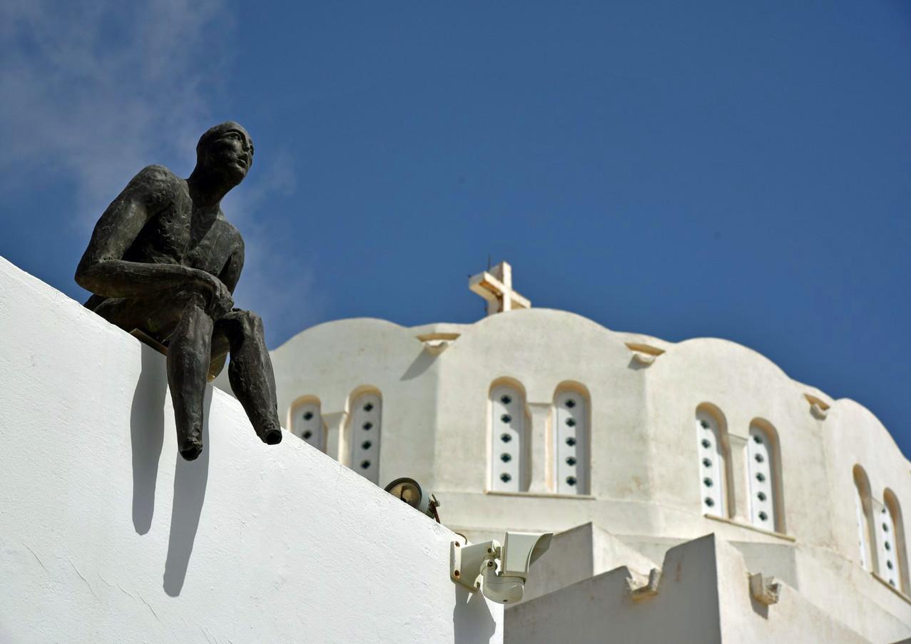 Santorini-art-and-church-The-Greekish-Li