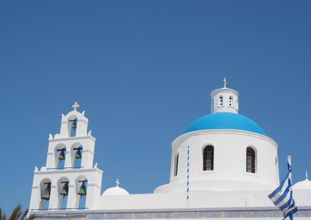 Santorini-Oia-church-The-Greekish-Life.J
