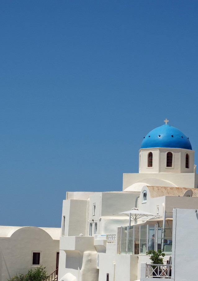 Santorini-blue-dome-1-The-Greekish-Life.