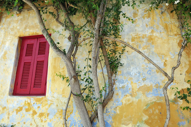 Anafiotika-yellow-wall.JPG