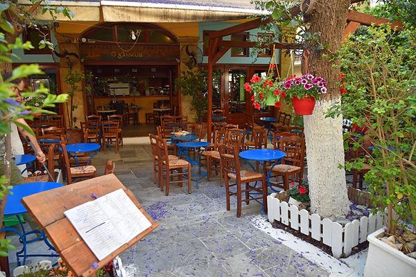 O-Glykis-restaurant-Plaka-Athens-Greece.