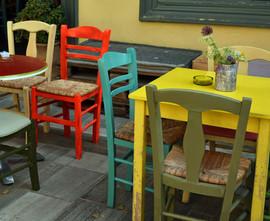 Taverna-tables-Nafplio-The-Greekish-Life