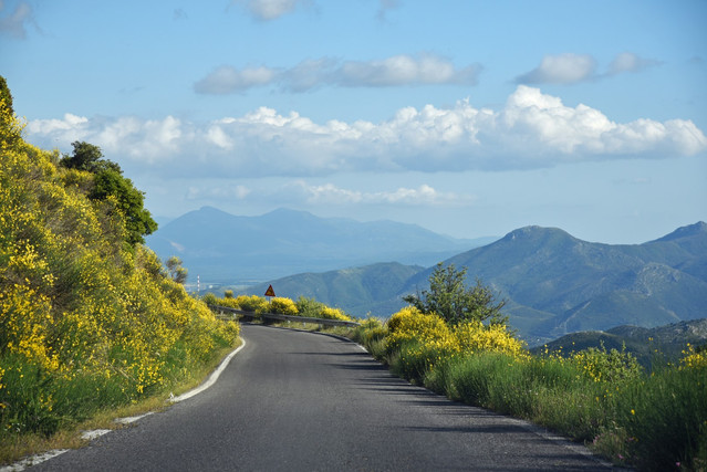 Arcadia-Greece-mountain-highway-with-wil