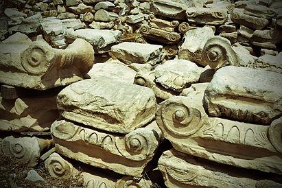 The-Greekish-Life-Culture-ionic-capitals.jpg