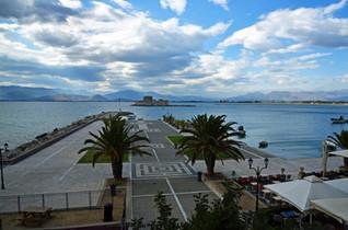 Nafplio-Bourtzi-view-The-Greekish-Life.J