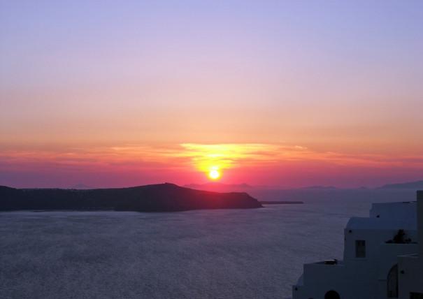 Santorini-sunset-at-Fira-The-Greekish-Li
