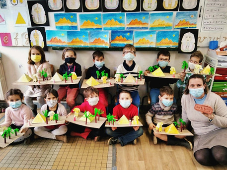 À Holiskol, l'Égypte s'invite en classe