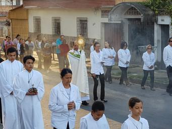 Comunidade celebra Corpus Christi