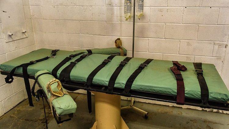 Pena de morte, pena capitalPena de morte, pena capital  (Copyright © Ken Piorkowski 2012)