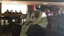 Padres participam de Celebração Penitencial