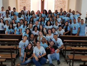 Jovens que participaram do EJC são apresentados à Comunidade