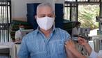 Padre Toninho é vacinado contra a covid