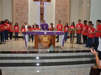 Crianças de Adolescentes do MEJ recebem fita do movimento