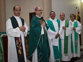 Com igreja lotada, Padre Jorge toma posse como Pároco