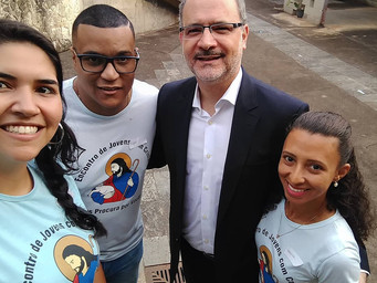 EJC participa de encontro com dom Mol