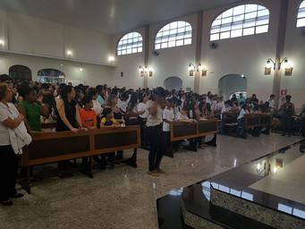 1ª Eucaristia: crianças recebem o sacramento