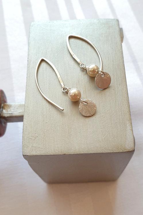 Kollektion FORMEN, Feminine Silber-Ohrringe mit Anhänger und Swarovski-Perlen
