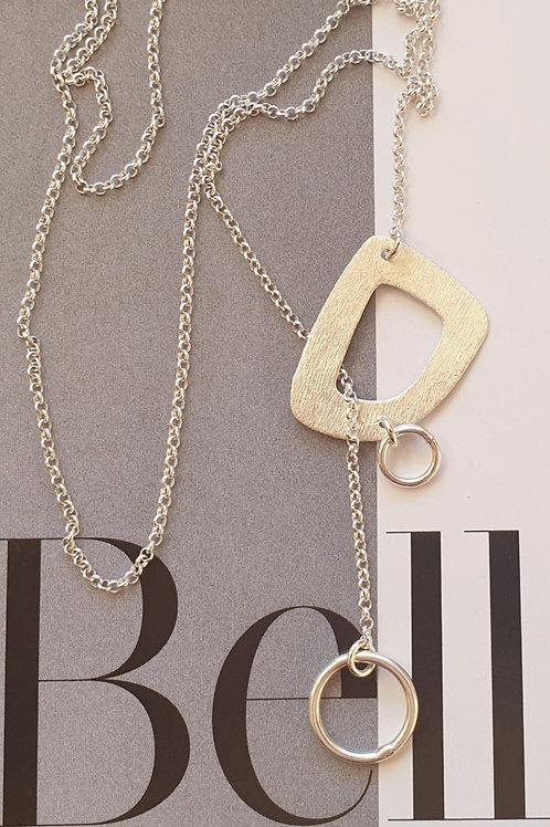 Feminine Halskette Silber gebürstet