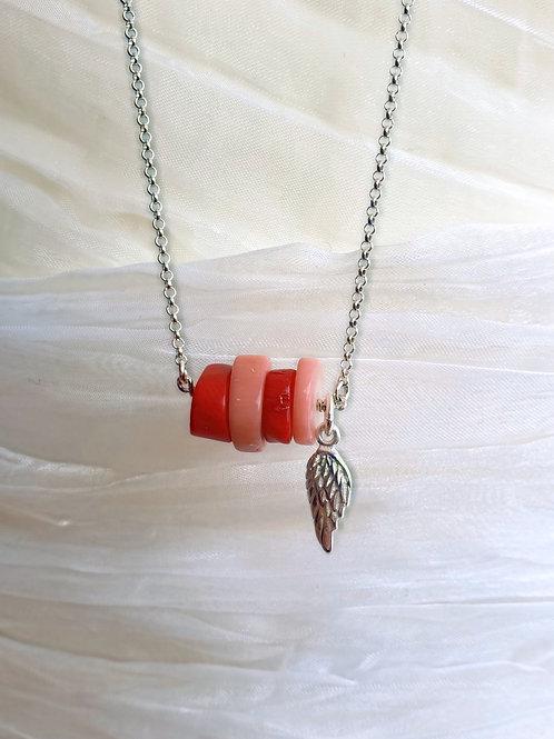 Eye-catcher lange Halskette silber mit Korallen und silbernem Anhänger