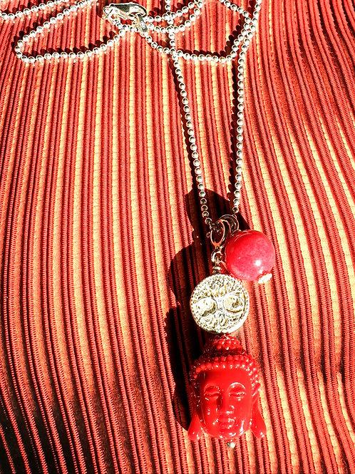 Feine trendige Halskette mit roten Resin- und Jadeanhänger