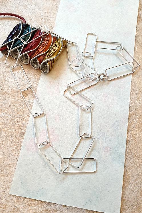 Stilvolle asymetrische Halskette