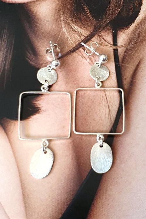 Zeitlose Ohrringe Silber mit silbernen Anhängern