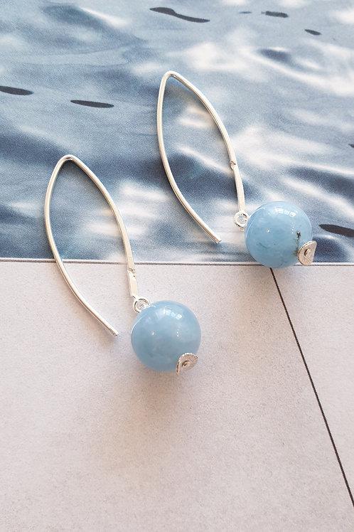Feminine Ohrringe Silber mit blauem Aquamarin
