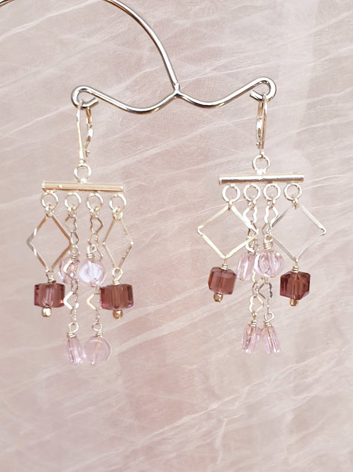 Stilvolle Boho-Ohrringe Silber mit lila und rosa Glasperlen
