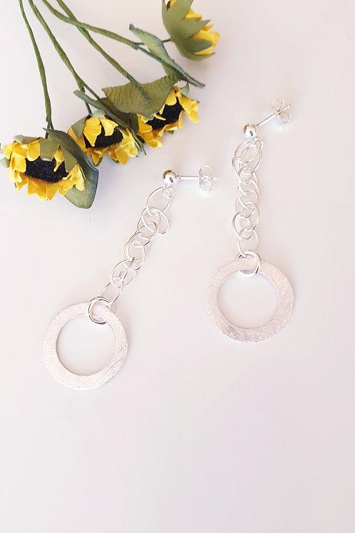Stilvolle Boho-Ohrringe Silber mit rundem Silber-Anhänger