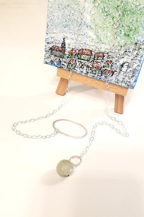 Sinnliche Halskette Silber mit Anhänger aus facettierter Jade