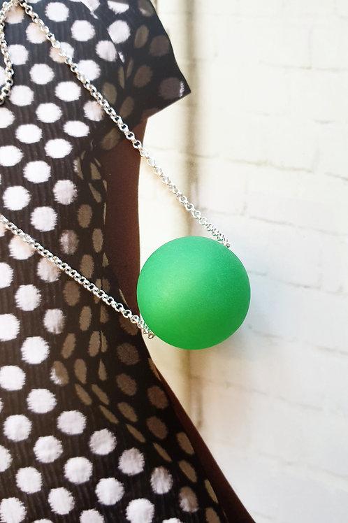 Zeitlose Halskette silber mit hellgrünem Resin